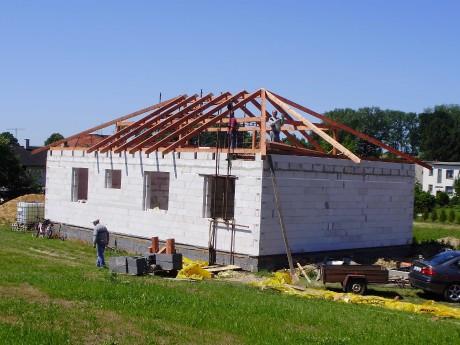 Valbová střecha krov